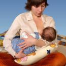 Позы для кормления грудью новорожденного.