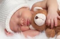 Как научить малыша засыпать без груди?