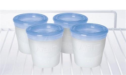 Как и сколько хранить грудное молоко?